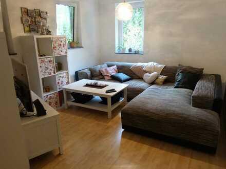 Gepflegte 2-Zimmer-Erdgeschosswohnung mit Terrasse und EBK in Ortsteil von Pfaffenhofen an der Roth