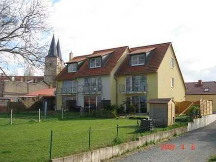 sehr großzügig und offen konzipiertes Reihenmittelhaus - direkt an der Elbe -