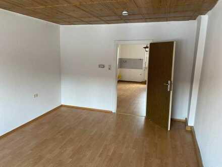Günstige, geräumige, gepflegte 1-Zimmer-Wohnung in Pirmasens