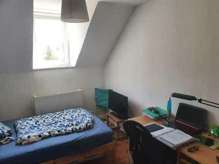 Zimmer in 85m² 3er WG