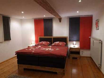 Top 5-Zimmer-Wohnung - Kernsaniert mit Terrasse - wohlfühlen im historischen Anwesen!!