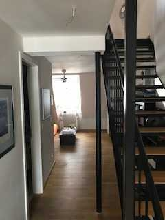 Stilvolle 2-Zimmer-Dachgeschosswohnung mit Einbauküche in Ingolstadt