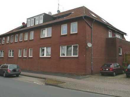 Großzügige Wohnung mit Balkon und Stellplatz