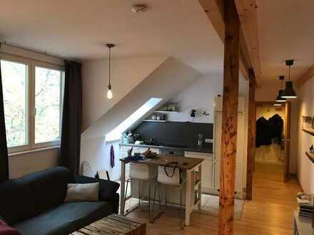 Beste Lage in Bochum-Ehrenfeld Sanierte 1,5 Zimmer DG-Wohnung mit Einbauküche