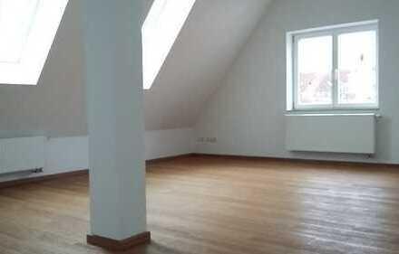 Schöne 2 Zi-/DG Wohnung im Zentrum Diessen zu vermieten