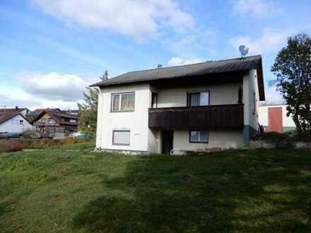 Wohnhaus mit sehr großem Grund und Boden