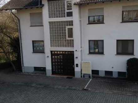 Ansprechende 2-Zimmer-Hochparterre-Wohnung mit Balkon in Bad Sobernheim
