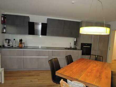 elegant, freundliche 3 ZKB Wohnung über zwei Etagen mit zwei Terrassen und Garten in Beilngries