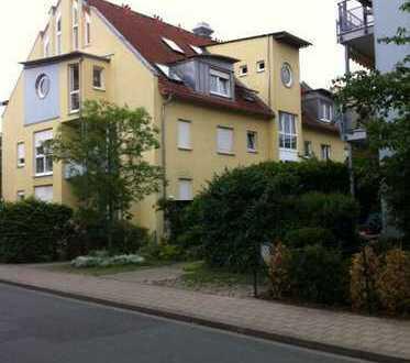 Helle 1-Zimmerwohnung mit EBK und TG-Stellplatz