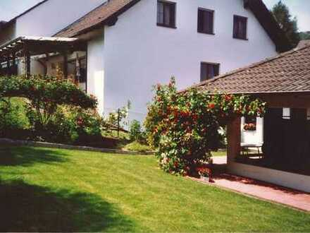 6-Zimmer-Eigentumswohnung mit schönem Garten zu verkaufen