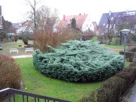 Ruhige Wohnung mit Balkon und freiem Blick in H – Oberricklingen !