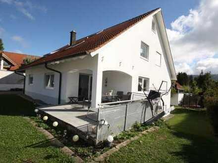 Wohnhaus mit drei separaten Wohnungen in Schömberg