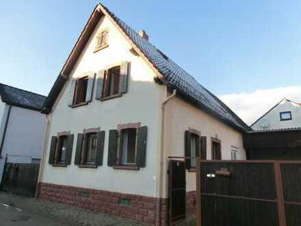 Charmantes Einfamilienhaus mit Ausbaupotential