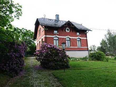 Alte Villa - denkmalgeschütztes Liebhaberobjekt mit Charme, Straßberg