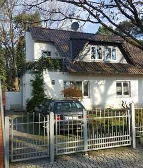 Schönes, geräumiges Haus mit sechs Zimmern in Kleinmachnow, Potsdam-Mittelmark (Kreis), Kleinmachnow