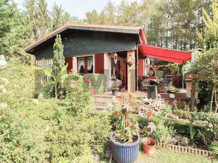 Ruheoase am Langer See: Modernisiertes EFH mit idyllischem Traumgarten und Wellnessbereich