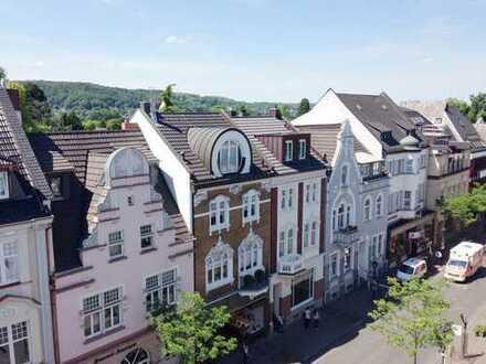 Schöne Altbau-Wohnung im Zentrum von Bad Honnef - mit Aufzug und Einbauküche