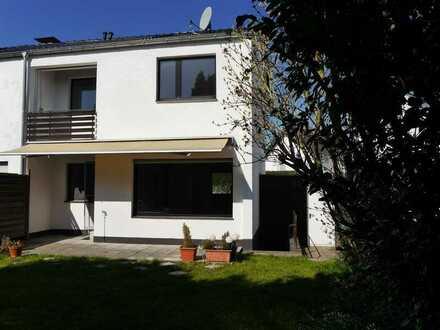 Schönes Reihen-Eckhaus, Balkon, Garten, Garage und Stellplatz