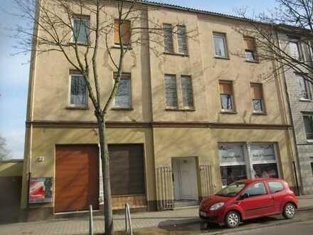 GE-Resse, in guter Wohnlage ! 5-Familienhaus mit 2x Praxis./Büroflächen und Lagerhalle!