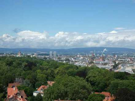 PANORAMABLICK: 4,5 Zimmer - 112 m² - Balkon - EBK - Wannenbad - Gäste WC - Keller - Tiefgarage