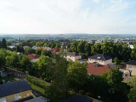 *Schöne gepflegte und renovierte 2-Zimmer Wohnung mit Panoramablick *