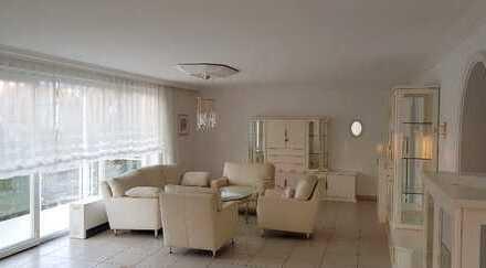 Exklusive möblierte 3-Zimmer-Wohnung mit Balkon und EBK in Karlsruhe