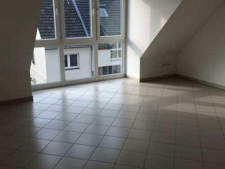 Moderne 4-Zimmer Wohnung mit Dachterrasse in Köln Worringen in Rheinnähe