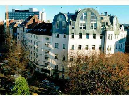 Ausgefallene Penthouse / Maisonettewohnung im Belgischen Viertel