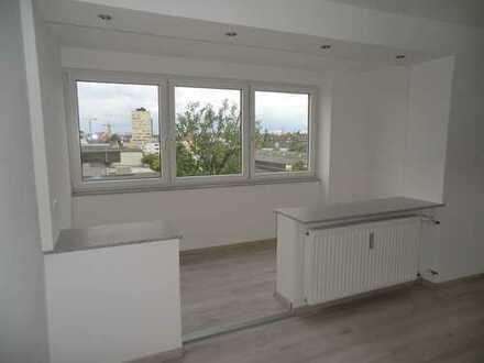 Neu renoviertes Appartement mit Gemeinschafts- Dachterrasse im 5. Stock
