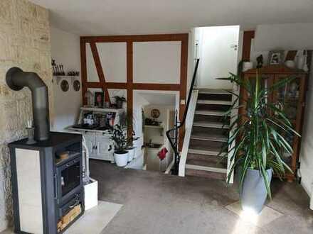 +++ Wohnen wie im Haus + ca. 80 qm Wfl. + Idyllisch + Balkon + PKW-St. + wunderschöne Lage +++