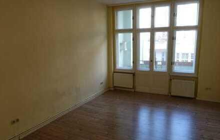 Helle 2,5-Zimmer-Wohnung in Neukölln, mit Balkon; Besichtigung: 15.12.18, 14 Uhr