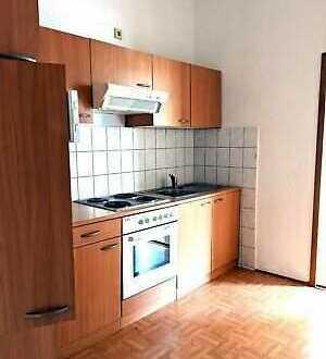 Sanierte 2-Raum-Wohnung mit EBK