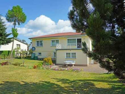 Gepflegtes Einfamilienhaus mit großem Garten und Ferienzimmern in Seebad Ahlbeck