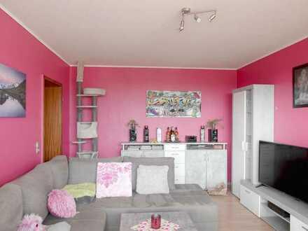 Zentrale Lage & Panoramaausblick: Helle 2-Zimmer-Wohnung mit Balkon - PROVISIONSFREI