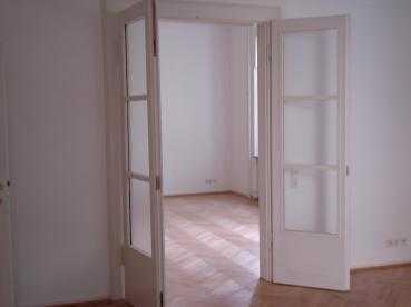 Traumhafte 4-Zimmer-Altbau-Wohnung im östl. Ringgebiet - Nähe Theater