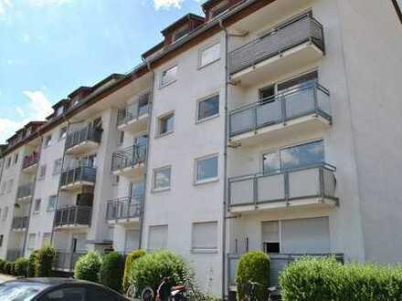 Schöne große 1 Zimmer Wohnung mit Balkon