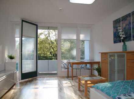 Großzügige helle möblierte 1-Zi-Wohnung 32,14m²,1OG, am Park, sonnige Westbalkon, U-Bahn nah