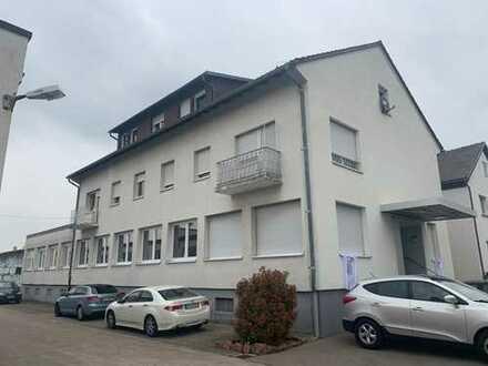 Büro- und Geschäftshaus