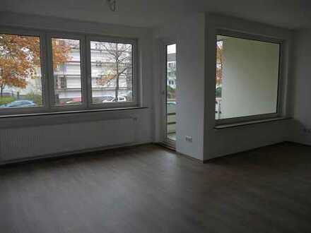 Erstbezug nach Sanierung: exklusive 4-Zimmer-Hochparterre-Wohnung mit Balkon in Bremen