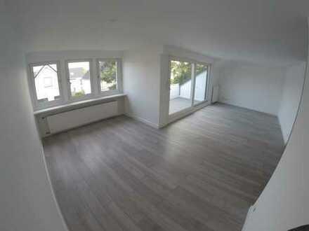 Zentral gelegene, vollständig renovierte 3-Zimmer-Wohnung mit Balkon in Angermund