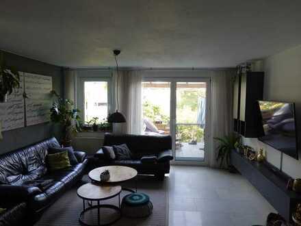 Reihenhaus mit 3,5 Zimmern, möbliert, Terrasse, Garten, Stellplatz, Garage in Plieningen, Stuttgart