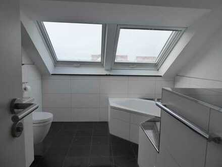 Neuwertige 3-Zimmer-Maisonette-Wohnung mit Balkon in Tamm