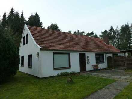 Wohnhaus mit Garage und Nebengebäuden