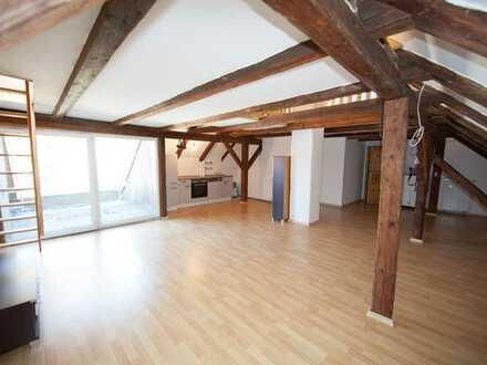 Modernes Loft im Dachgeschoss mit Galerie