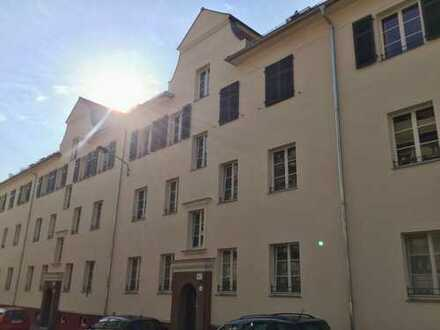 Tolle 2-Raumwohnung mit Westbalkon und Fußbodenheizung!