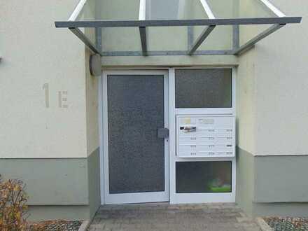Gepflegte 3-Zimmerwohnung mit Balkon, Tiefgaragenplatz und eigenem Hobbyraum !
