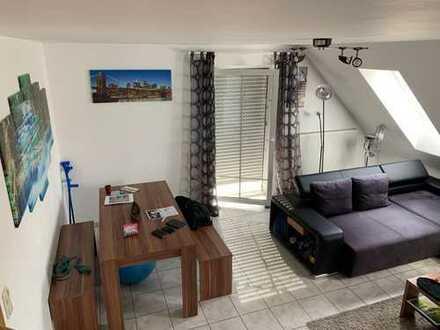 Gepflegte 3-Zimmer-DG-Wohnung mit Balkon in Abensberg-Offenstetten