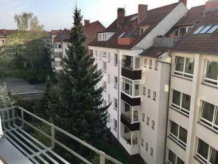 3-Zimmer-Wohnung Hannover-Südstadt, 100 m² Altbau, vollst. renoviert, mit Balkon