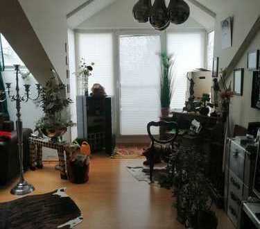 Ruhige und schöne Wohnung mit zwei Zimmern sowie Balkon und Einbauküche in Berlin Mahlow