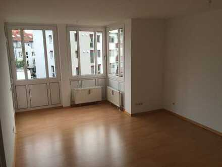 Frisch renovierte Wohnung mit Balkon in zentraler Lage unweit der Uniklinik! Barrierefrei!!